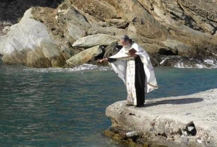 Άγιο Όρος: Ξαφνικά είδα έναν μοναχό να αναδύεται από την θάλασσα - ΕΚΚΛΗΣΙΑ