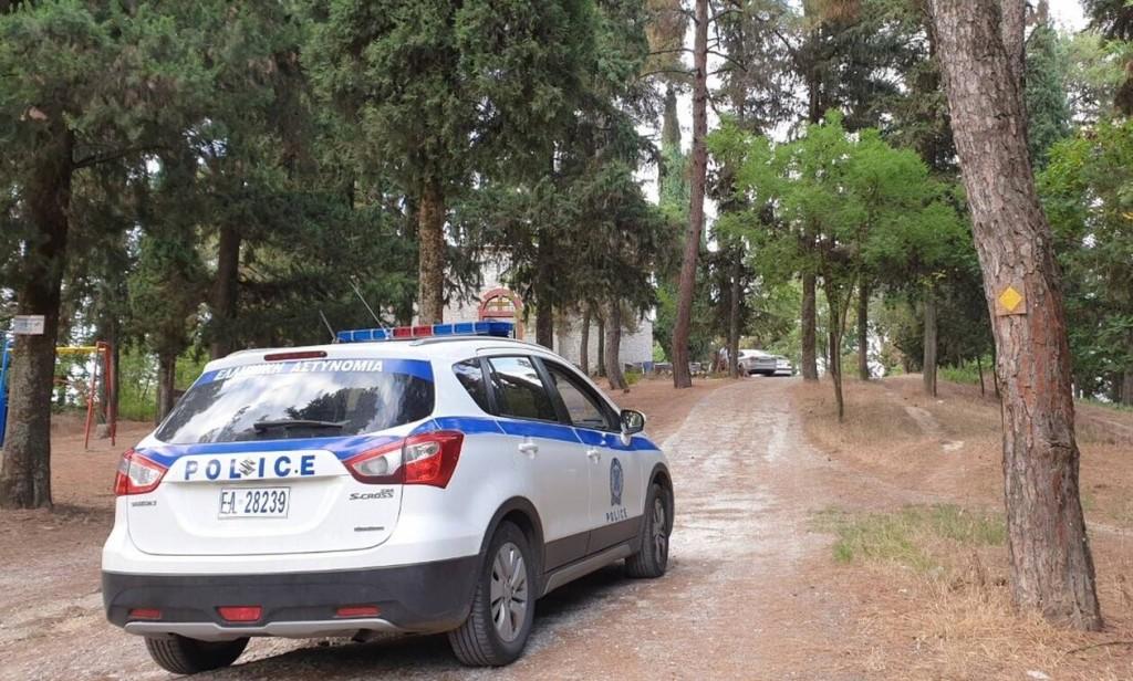 Φρίκη στα Τρίκαλα: Σε ανήλικη ανήκει το πτώμα που βρέθηκε έξω από εκκλησία