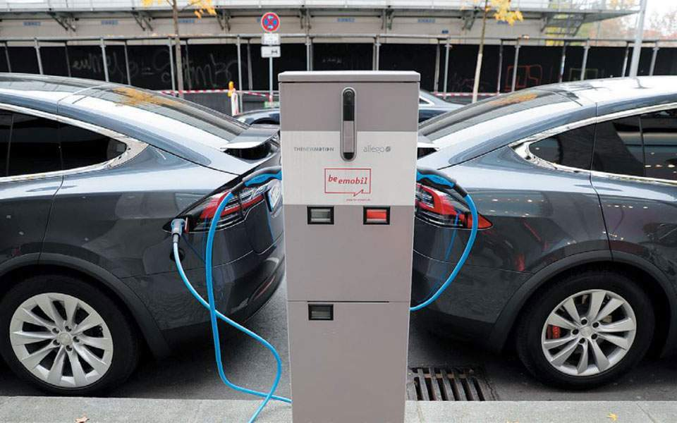 electric-cars-charging-thumb-large-thumb-large-thumb-large