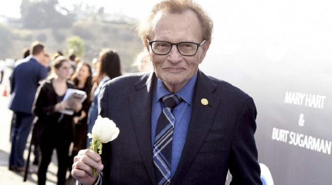 Larry King arrives at the Los Angeles Dodgers Foundation Blue Diamond Gala 2017 at Dodgers Stadium on Thursday, June 8, 2017, in Los Angeles. (Photo by Jordan Strauss/Invision for Los Angeles Dodgers Foundation/AP Images)