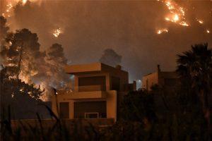 Φωτιά στην Κορινθία: Συνεχίζεται η μάχη με τις αναζωπυρώσεις - Πού εντοπίζεται το μεγαλύτερο πρόβλημα - ΕΛΛΑΔΑ